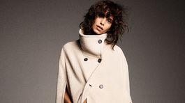 Elegantný dámsky plášť s predným zapínaním Zara, predáva sa za 129 eur.