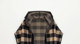 Károvaný pletený plášť bez rukávov Mango, predáva sa za 69,99 eura.