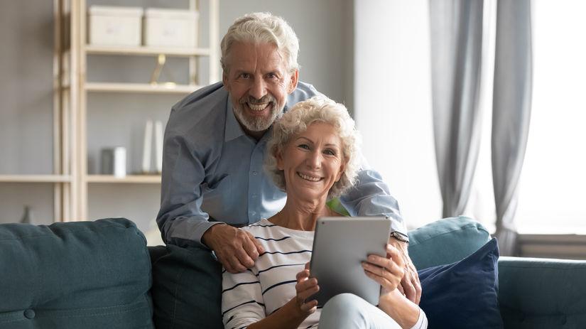 manželia, seniori, tablet, radosť
