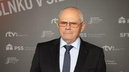 Herec Milan Kňažko prišiel odovzdať cenu Milanovi Lasicovi.