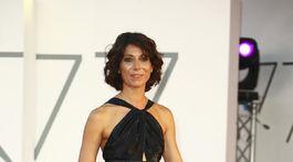 Herečka Simona Malato na premiére filmu The Macaluso Sisters.