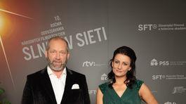 Počas večera vystúpil aj spevák David Koller a Viki Olejárová.