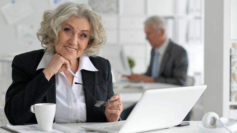 dôchodkyňa, práca, úsmev