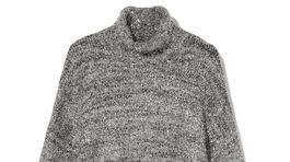 Pletený sveter s rolákovým golierom Reserved, predáva sa za 29,99 eura.