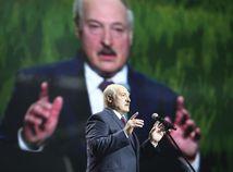 Lukašenko musí odstúpiť, hovorí Macron. Minsk zase o chaose zo Západu