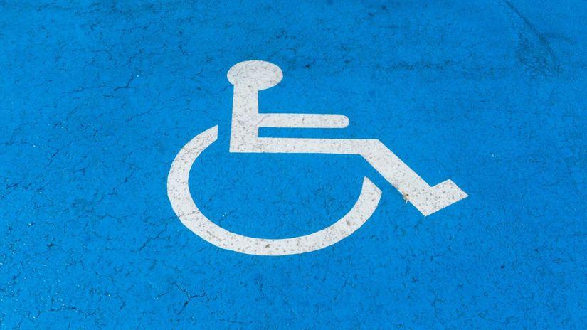 invalid, vozíčkar, zťp, parkovanie, značka