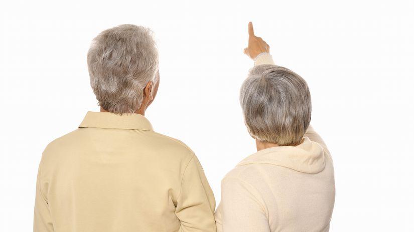manželia, seniori, penzisti, ukazovanie