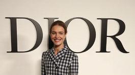Topmodelka a filantropka Natalia Vodianova pred prehliadkou značky Dior.