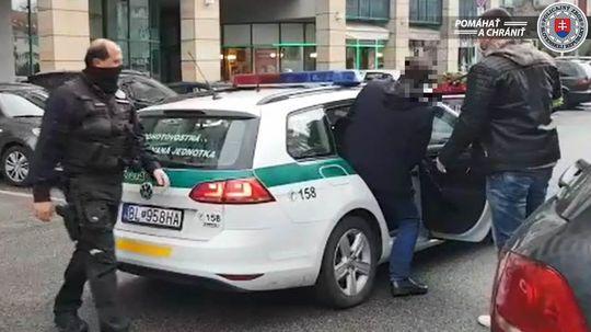polícia zadržanie