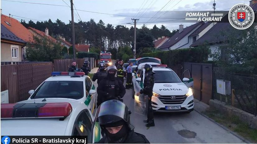 Plavecký štvrtok / Polícia