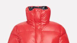 Dámska funkčná zimná bunda Peak Performance, info o cene v predaji.