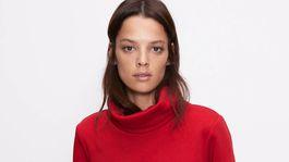 Mikina s rolákovým golierom Zara, predáva sa za 15,95 eura.