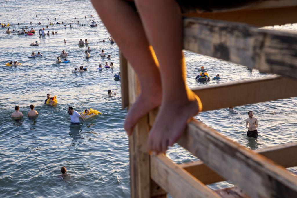 Izrael, židia, plávanie, kúpanie, Tel Aviv, nohy, leto,