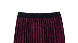 Plisovaná sukňa Desigual, predáva sa za 99,95 eura.