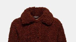 Dámsky plyšový kabát Esprit, predáva sa za 128 eur.
