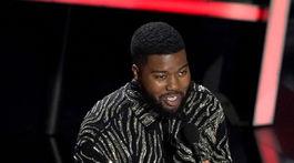 Spevák Khalid na vyhlásení cien Billboard Music Awards.