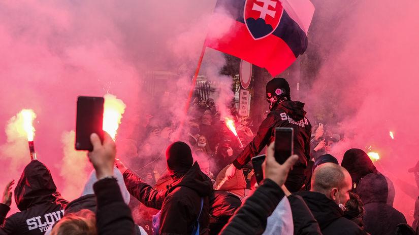 protest, úrad vlády, bratislava, demonštranti,...