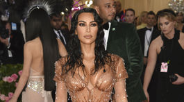 "Kim Kardashian West na zábere z akcie MET Gala Camp: Notes on Fashion"" v roku 2019."