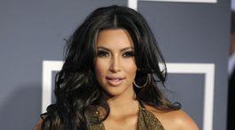 Rok 2011: Kim Kardashian na vyhlásení cien Grammy Awards.