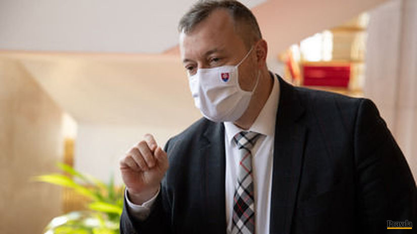 minister práce a sociálnych vecí Milan Krajniak...