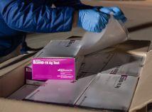 Pribudlo vyše 1700 infikovaných. Na Slovensko dorazili antigénové testy