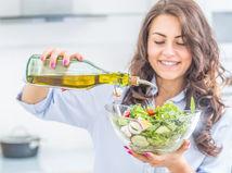žena, úsmev, olej, šalát, zdravá strava