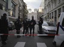 Teror vo Francúzsku. Odrezaná hlava, traja zabití