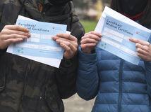 Spochybnili kontrolu certifikátov, Matovičov úrad ich označil za babrákov