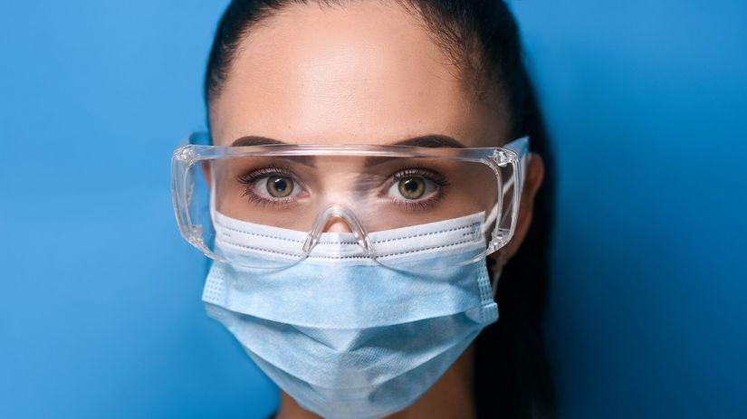 ochrana, rúško, okuliare, koronavírus, žena