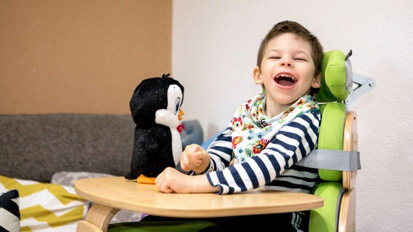 Janko, detská mozgová obrna, plyšák, tučniak,...