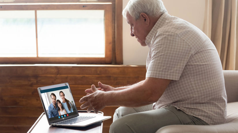 senior, doma, dedko, laptop, notebook,...