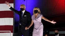 Joe Biden a jeho manželka Jill Biden spoločne na augustovom stretnutí s voličmi.