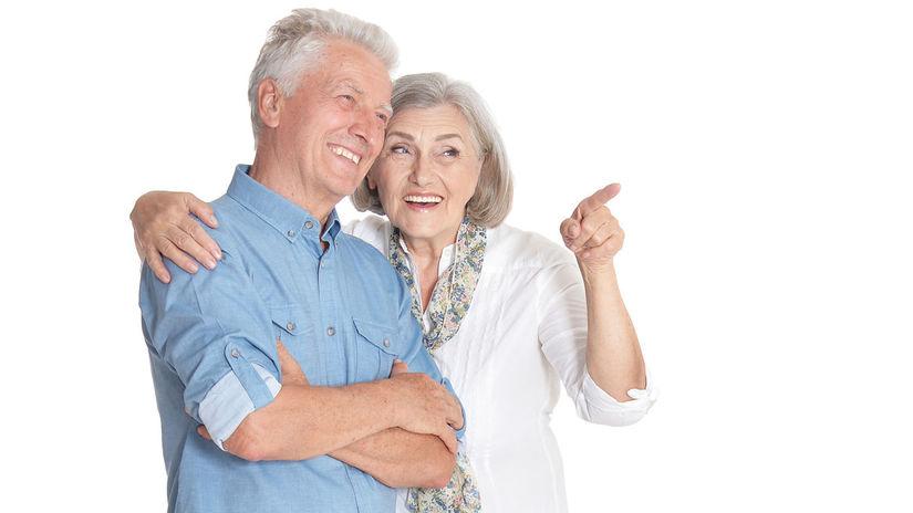 penzisti, manželia, ukazovanie, úsmev