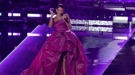 Speváčka Natalia Jimenez zaspievala na počesť Julia Iglesiasa.