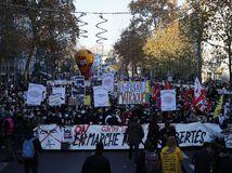 Francúzsko polícia protesty