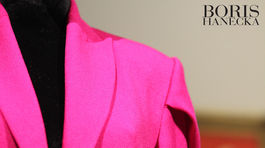 IMG Náznak mašle v rukávoch saka z novej kolekcie Borisa Hanečku.