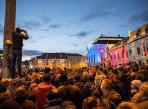 Potrestal koronavírus Bratislavu za protesty alebo ide o hru čísiel?