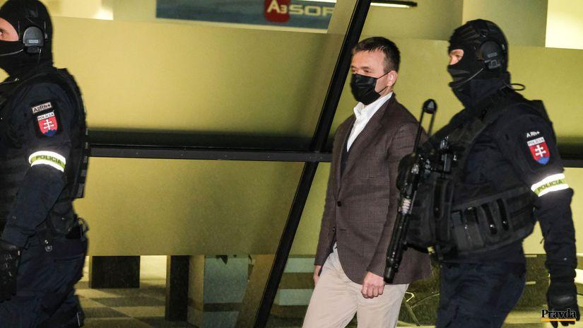 penta haščák kukláči polícia zásah