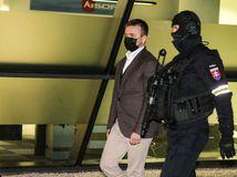 Haščáka zadržali a obvinili z korupcie. Penta hovorí o demonštrácii sily