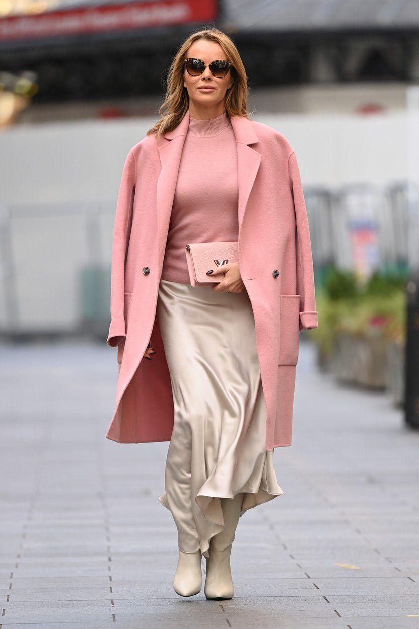 Britská televízna celebrita Amanda Holden na...