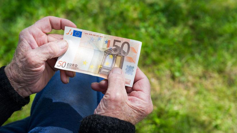 penzista, senior, peniaze, bankovka, euro