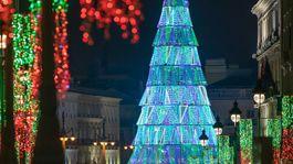 Vianočný strom na námestí Puerta del Sol v Madride.