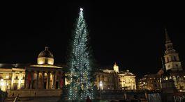 Virus Outbreak BritVianočný strom na Trafalgarskom námestí v Londýne. ain
