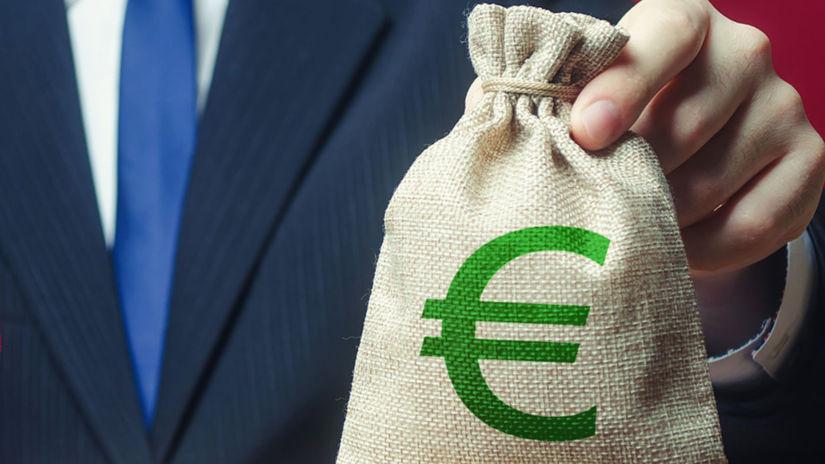 rodina, figúrky, peniaze, euro, vrece, váha
