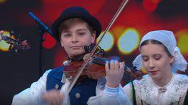 Ludova hudba Detskeho folklorneho suboru Vienok