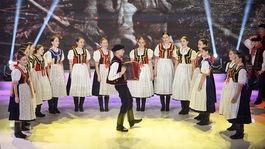 Mladeznicky folklorny subor Zeliezko  5