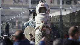Vatikán, jasličky, kozmonaut