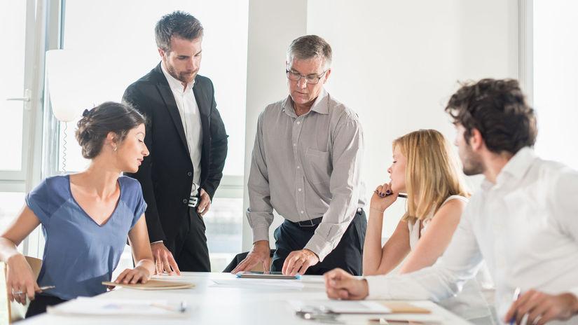 kolegovia, skupina, spolupráca