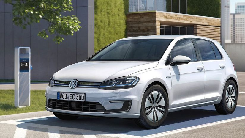 Volkswagen-e-Golf-2017-1280-01