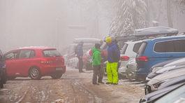 Koliba, sneh, športovanie, mestská polícia, parkovanie,